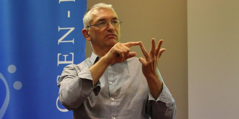 Bernd Schneider bei der Mitgliederversammlung in Magdeburg